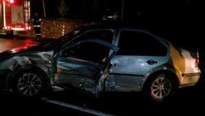 Kamyonetle otomobil çarpıştı, 7 kişi yaralandı