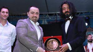 Bekir Aksoy ile müzisyen İrsel Çivit sahne aldı