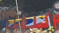 Çatalpınar – Kabataş yolunda fındık yüklü kamyon devrildi